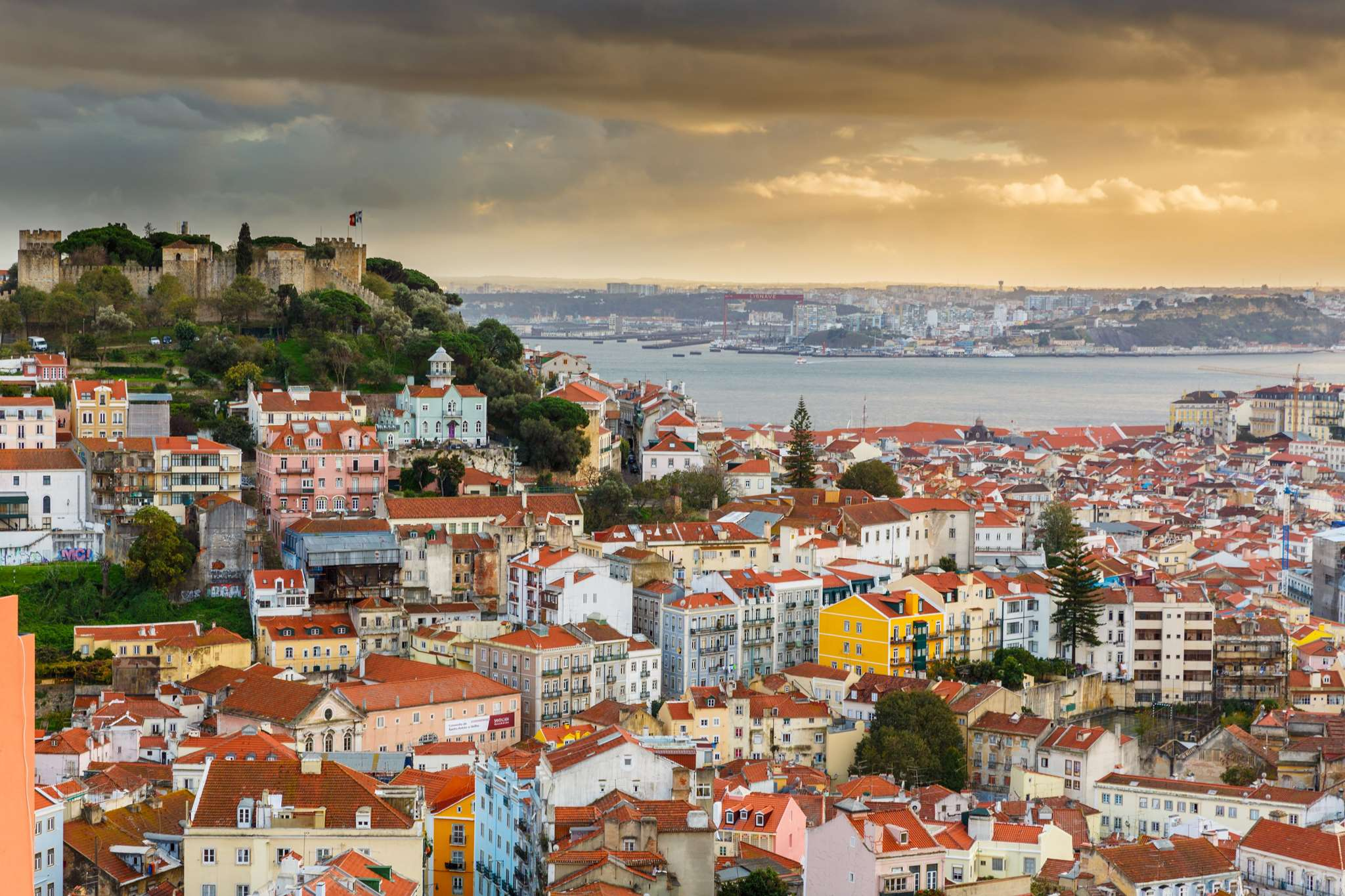Σύμβαση Πρακτορείου και Ασφαλιστήριο Συμβόλαιο για Λισαβόνα